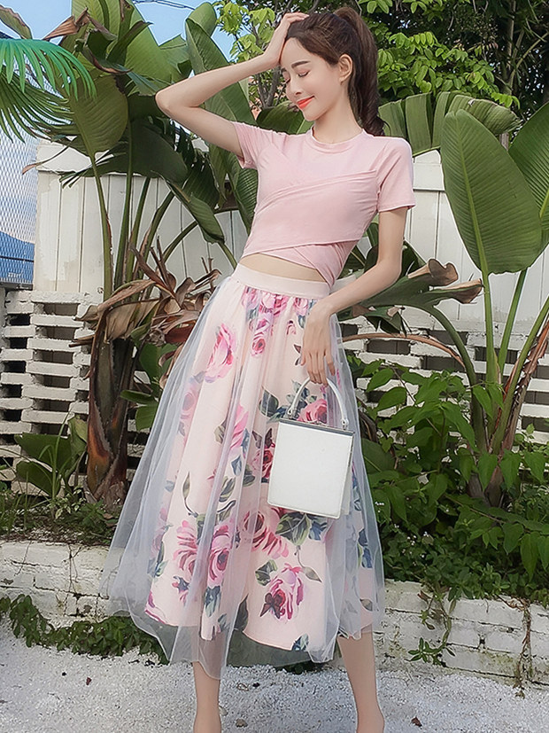 Lovely Girlish Tie Waist Cotton T-shirt with Flowers Gauze Skirt