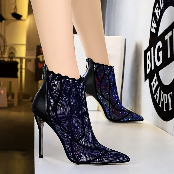 Slim European style nightclub metal fashion short boots