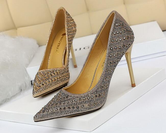 European Style Point Toe Sequins Matching Shoes