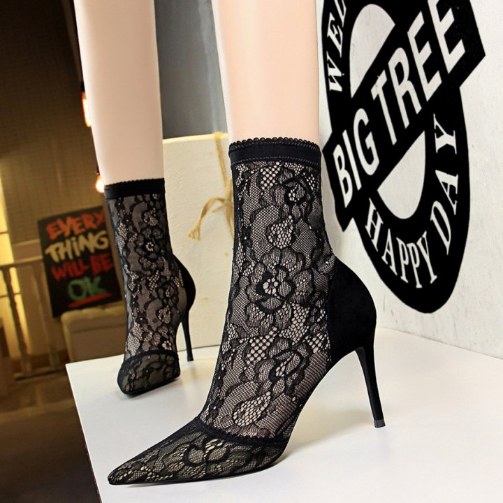 Pointed lace sexy European style slim mesh short boots